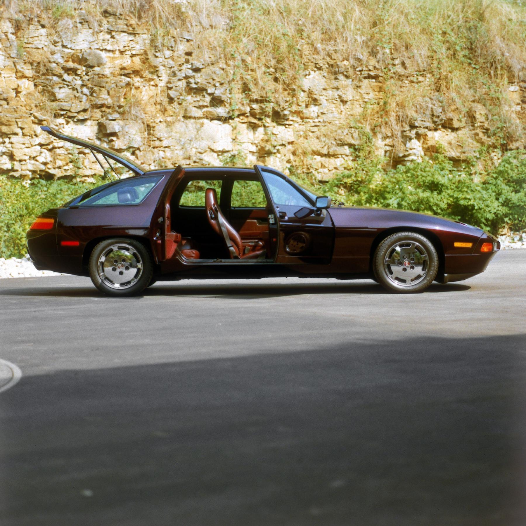 2020 Porsche 928Concept Picture