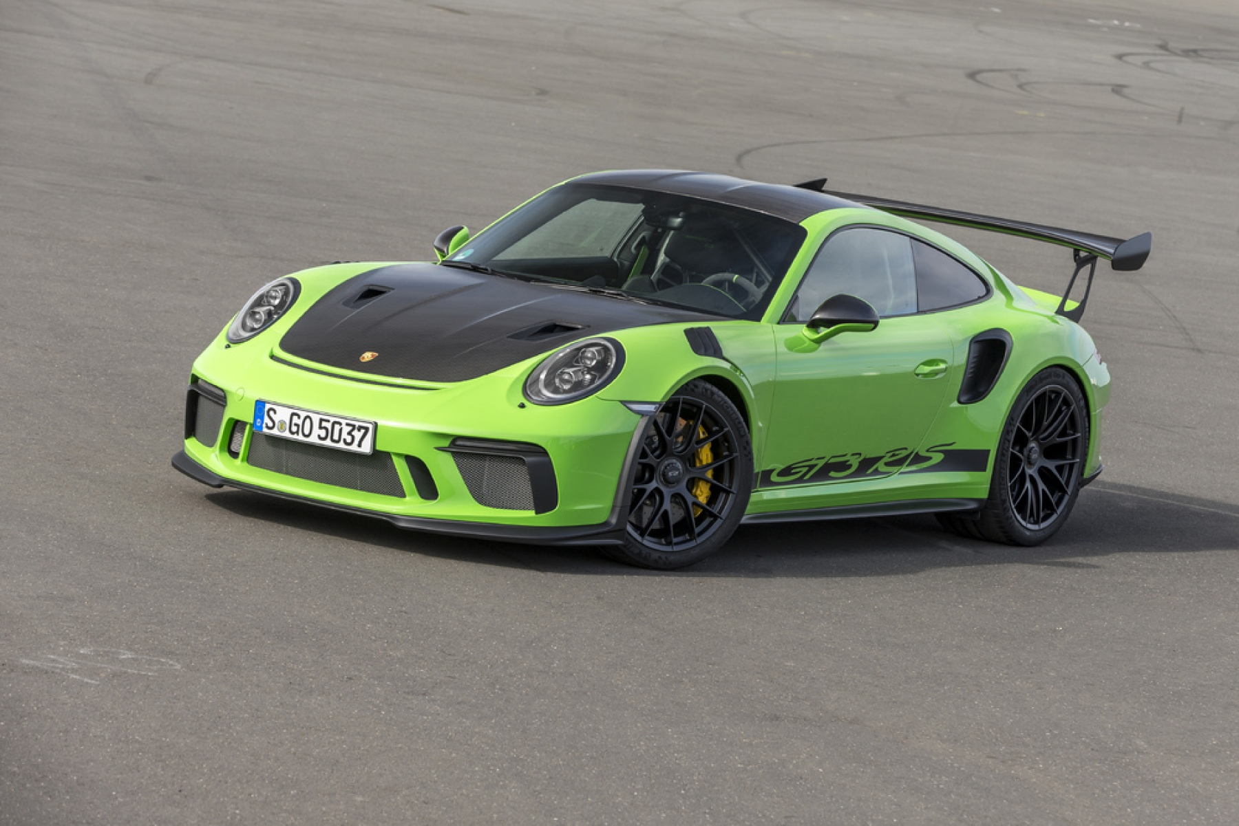 911 gt3 rs with weissach package  lizard green
