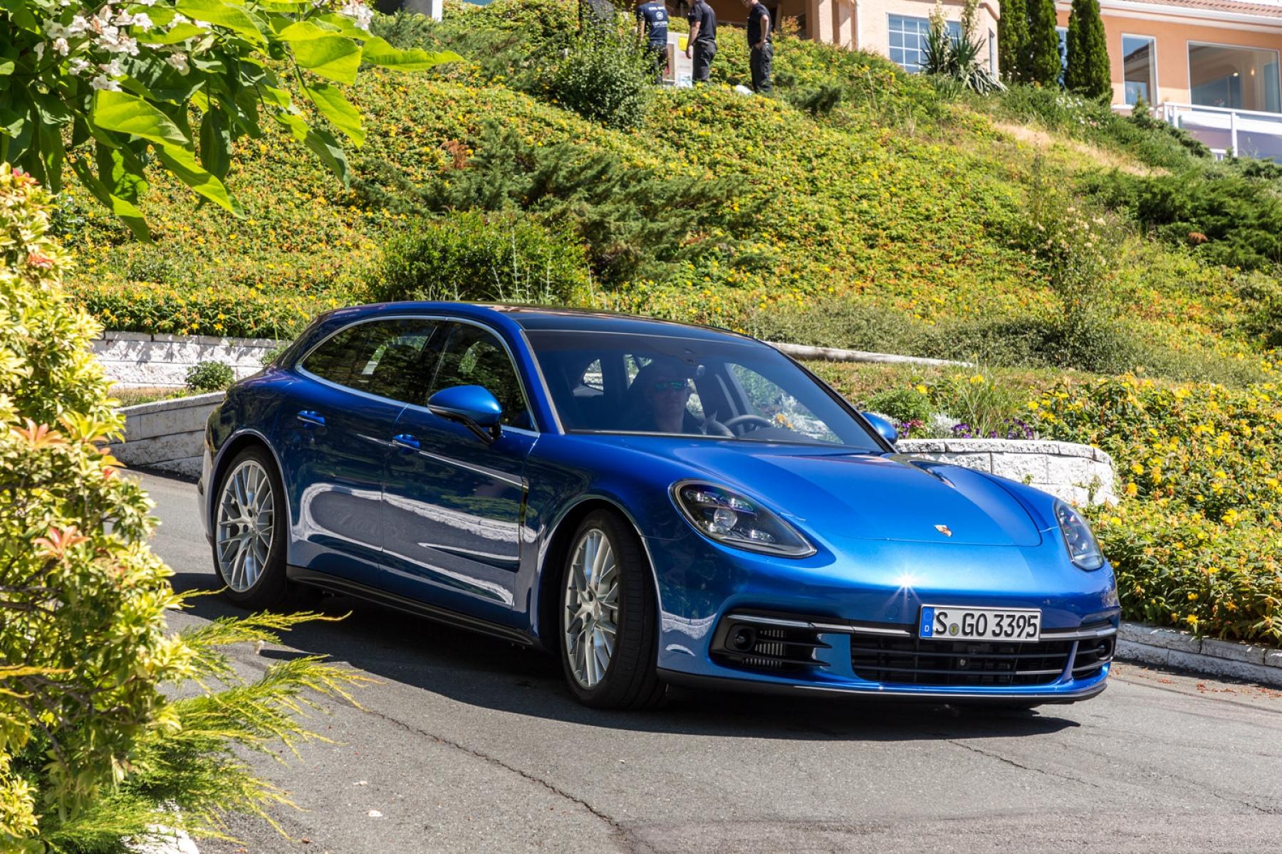 Porsche Panamera 4S >> Panamera 4S Diesel Sport Turismo Sapphire Blue Metallic ...