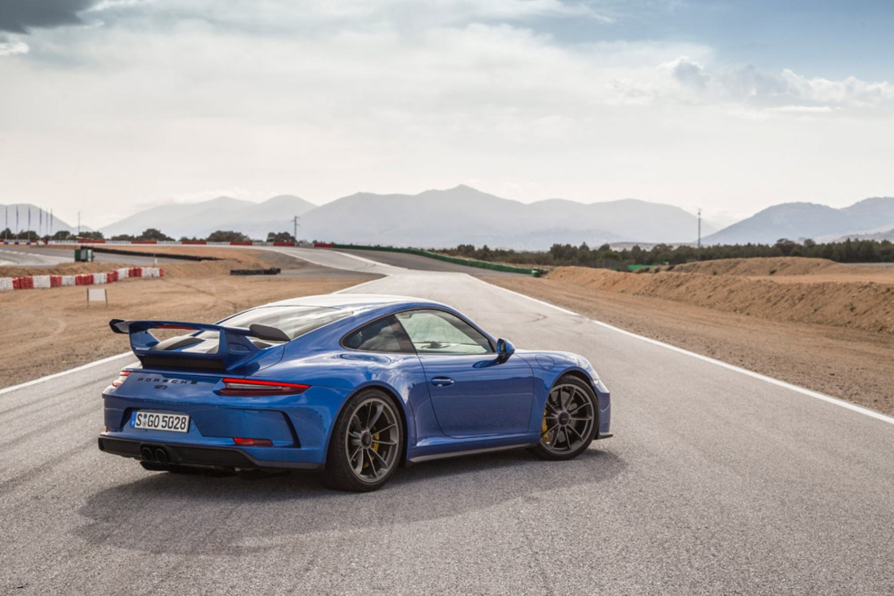 porsche 911 gt3 sapphire blue metallic the new porsche 911 gt3. Black Bedroom Furniture Sets. Home Design Ideas