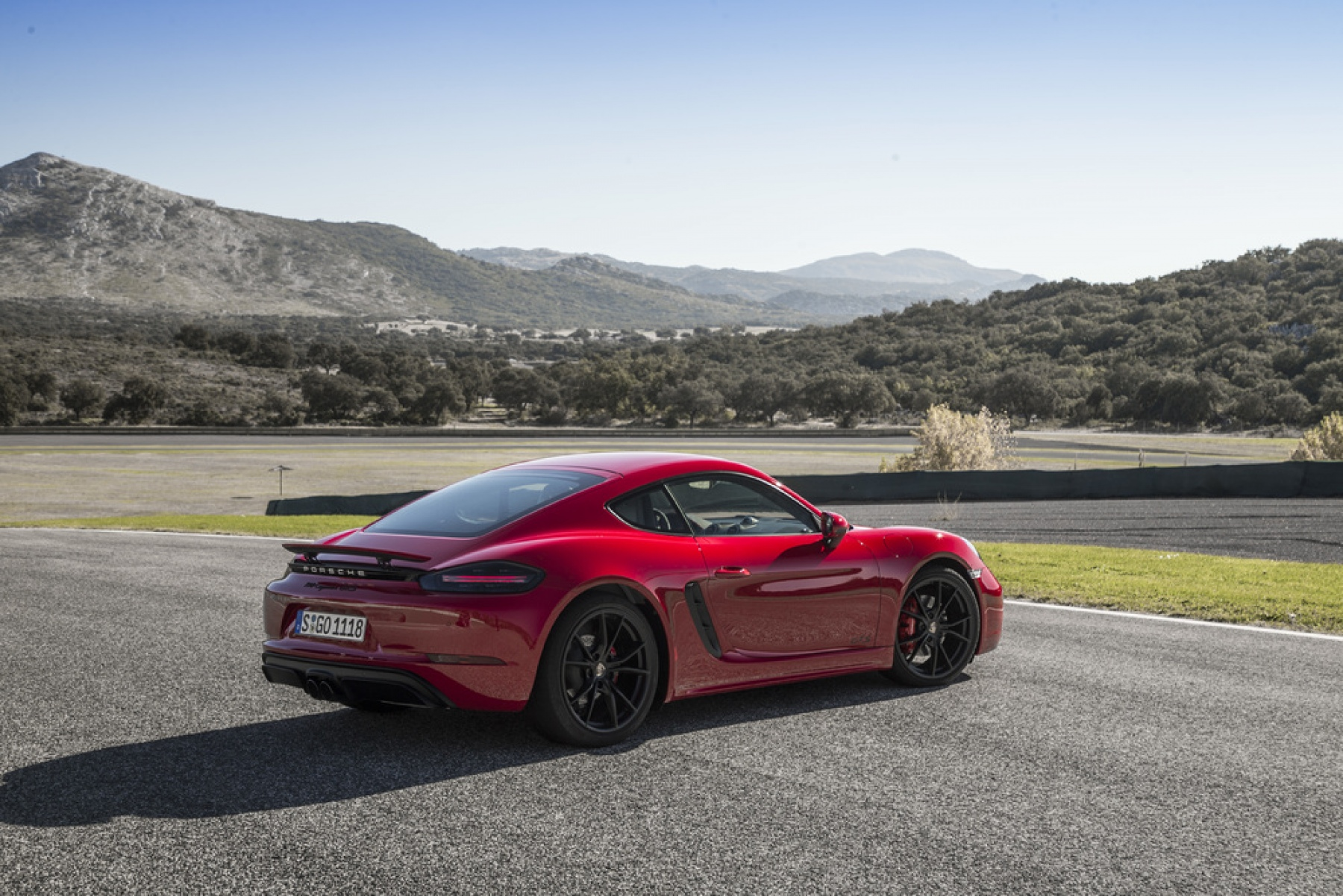 718 cayman gts carmine red the new 718 boxster gts and 718 cayman gts. Black Bedroom Furniture Sets. Home Design Ideas