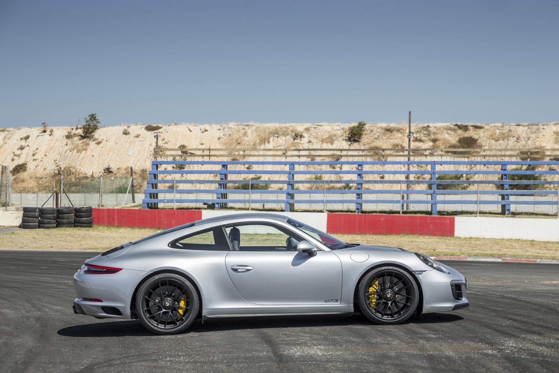 Porsche 911 Carrera GTS Coupé Rhodium Silver Metallic - The new 911