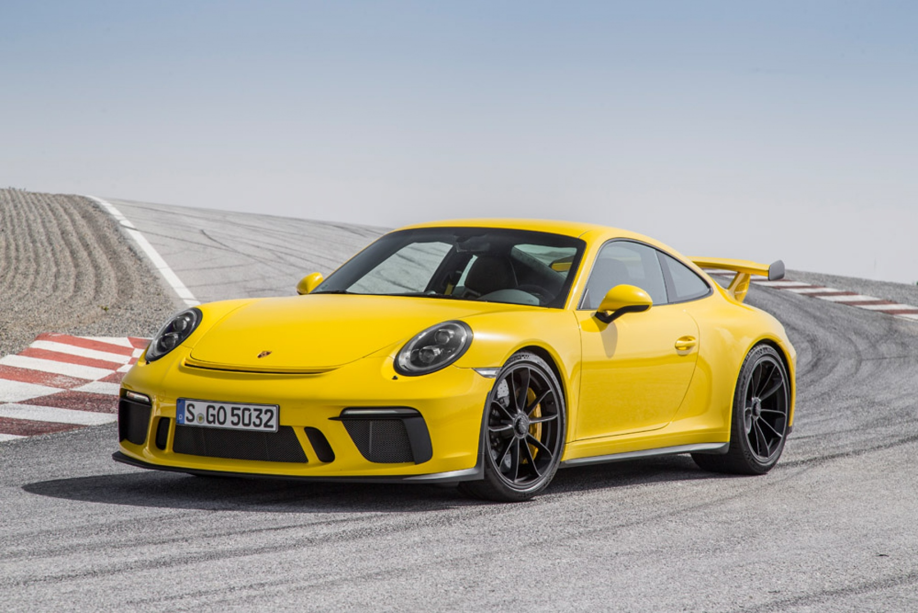 Porsche 911 GT3 Racing Yellow - The new Porsche 911 GT3