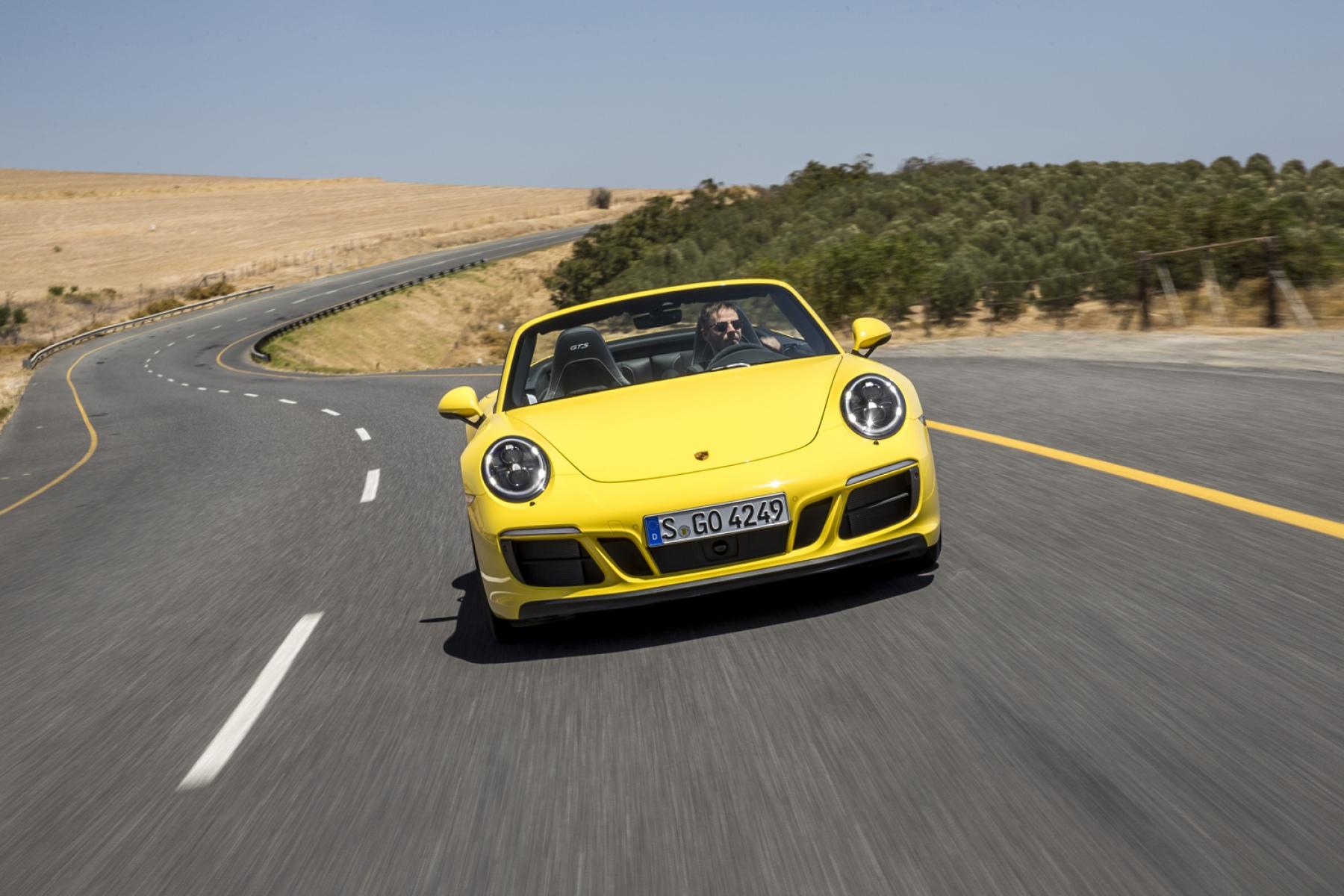 porsche 911 carrera 4 gts cabrio racingyellow die neuen. Black Bedroom Furniture Sets. Home Design Ideas