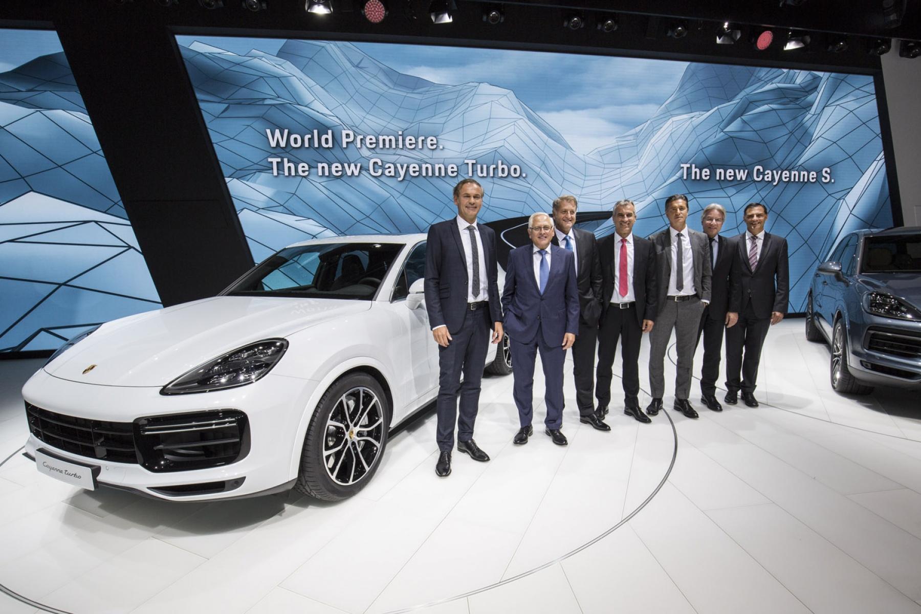world premiere of the new cayenne turbo iaa 2017のポルシェ
