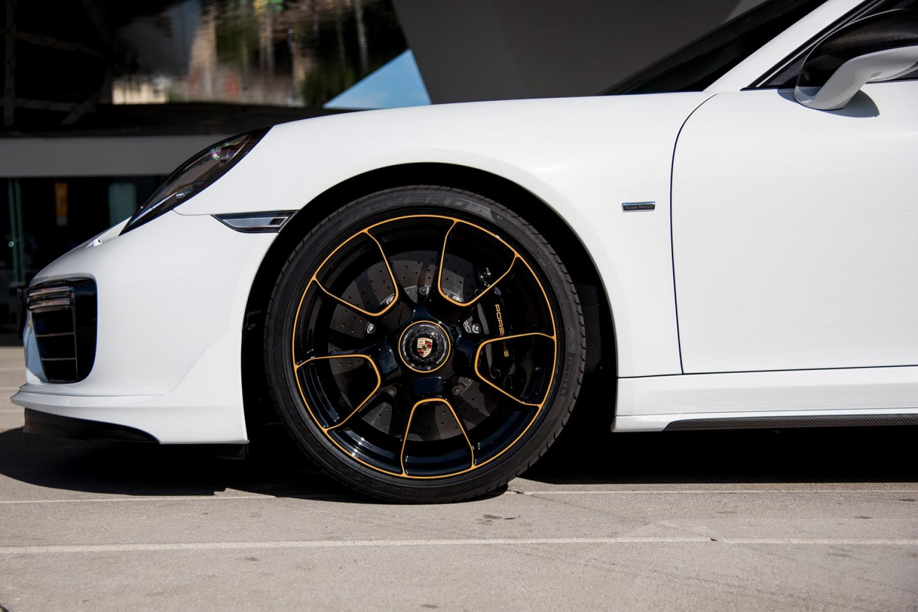 911 Turbo S Exclusive Series Carrara White Metallic